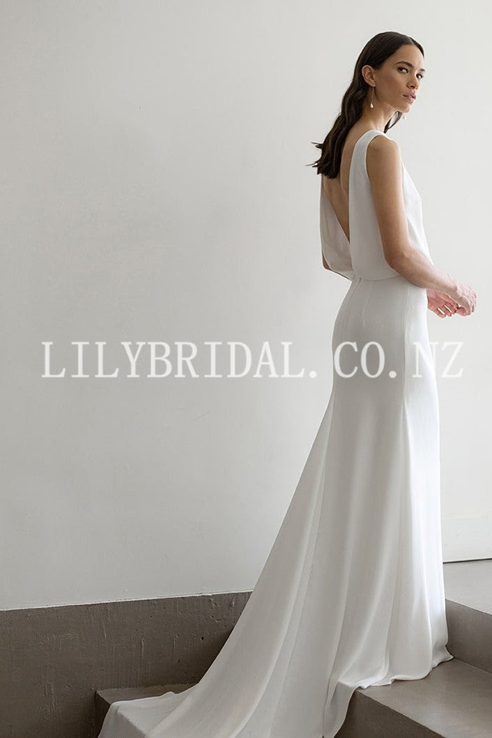 Scoop Neck Sleeveless Backless Long Solid Mermaid Bridal Wedding Dress with Court Train