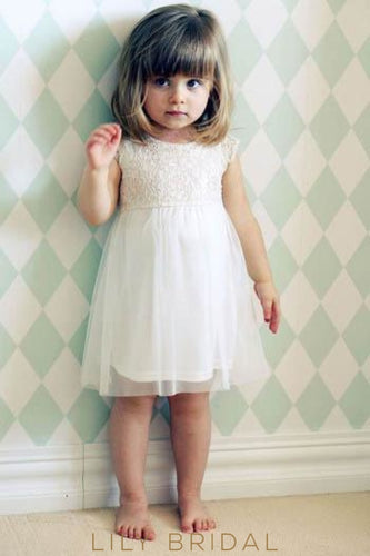 A-Line Knee-Length Tulle Flower Girl Dress With Jewel Neck Cap Sleeve Lace Bodice