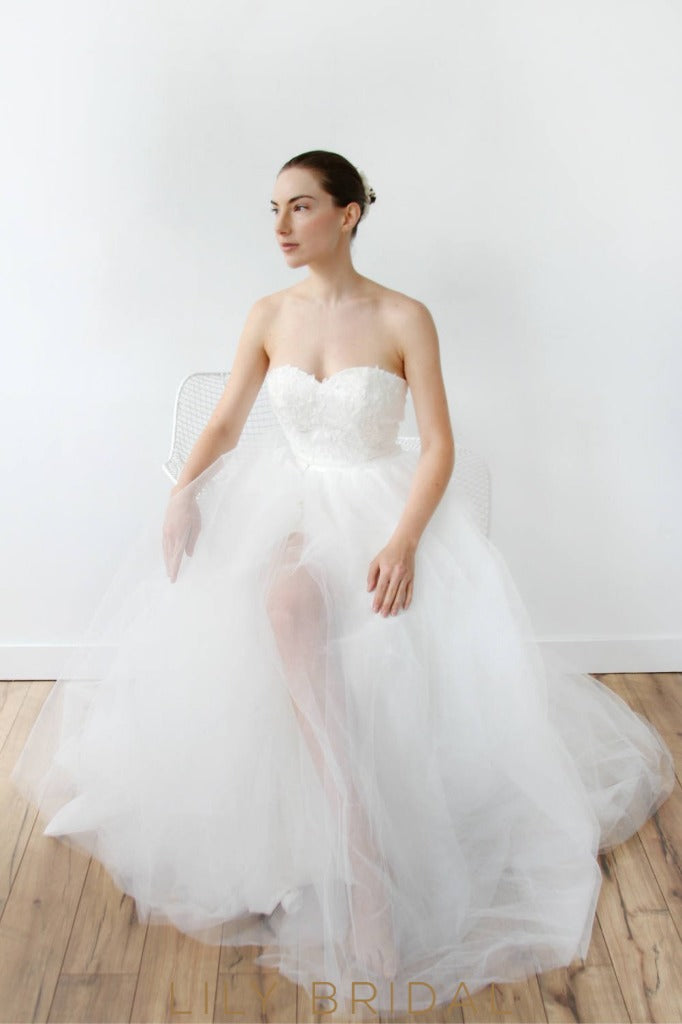 A-line Tulle Strapless Wedding Dress with Sweetheart Neckline