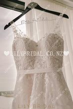 Applique Illusion V-Neck Sleeveless Backless Long A-Line Tulle Wedding Dress