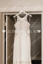 Applique Lace Jewel Neck Sleeveless Zipper-Up Long Fit-And-Flare Wedding Dress with Court Train