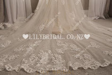 Applique Lace Illusion Scoop Neck Sleeveless Long Mermaid Tulle Wedding Dress