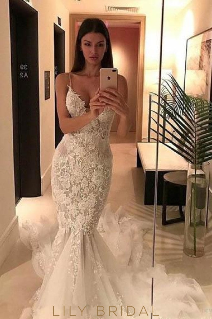 Applique Spaghetti Straps Sleeveless Backless Long Mermaid Tulle Wedding Gown