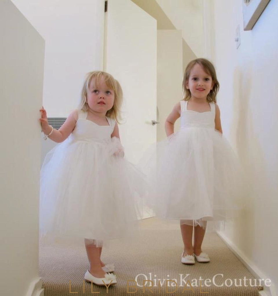 White Sweetheart Strap Knee-Length  Flower Girl Dress With Bowknot