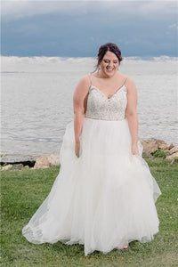 Charming Beading Lace Spaghetti Straps Sleeveless Plus Size Long Tulle Wedding Dress