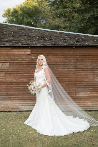 Classic One Tier Chapel Wedding Veil with Lace Applique Edge