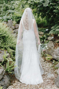 Cut Edge Single Layer Floor-Length Ivory Bridal Veil