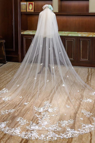 Embroidery flower Scattered Weeding Veil