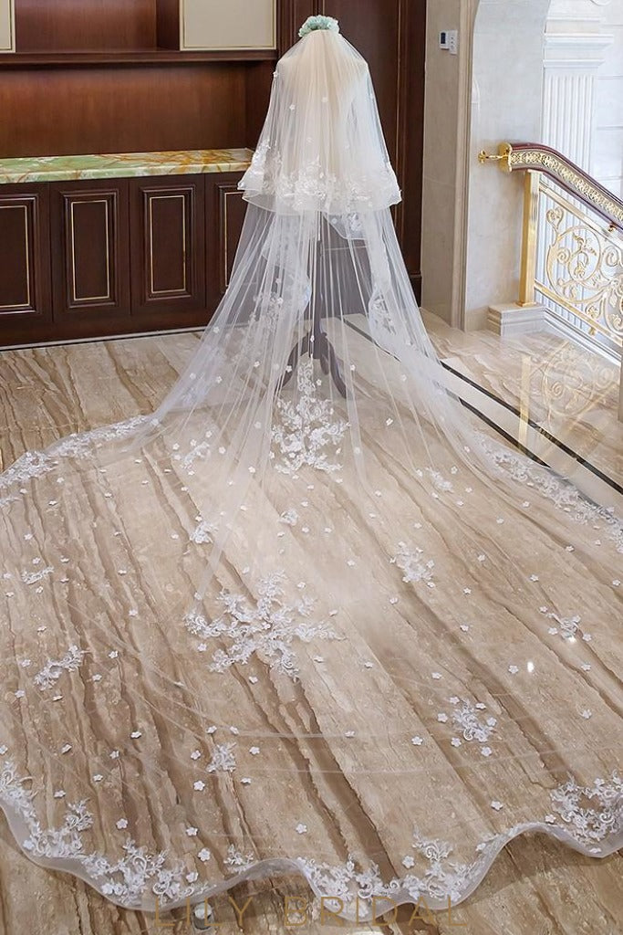 curly edge veil