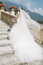 Dropped Waist with Train Wedding Dress Sweetheart Neckline