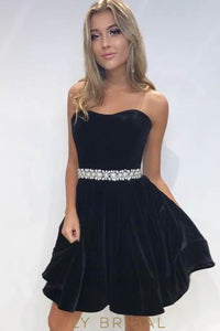 Elegant Pearls Beading Strapless Sleeveless Short Solid Cocktail Dress