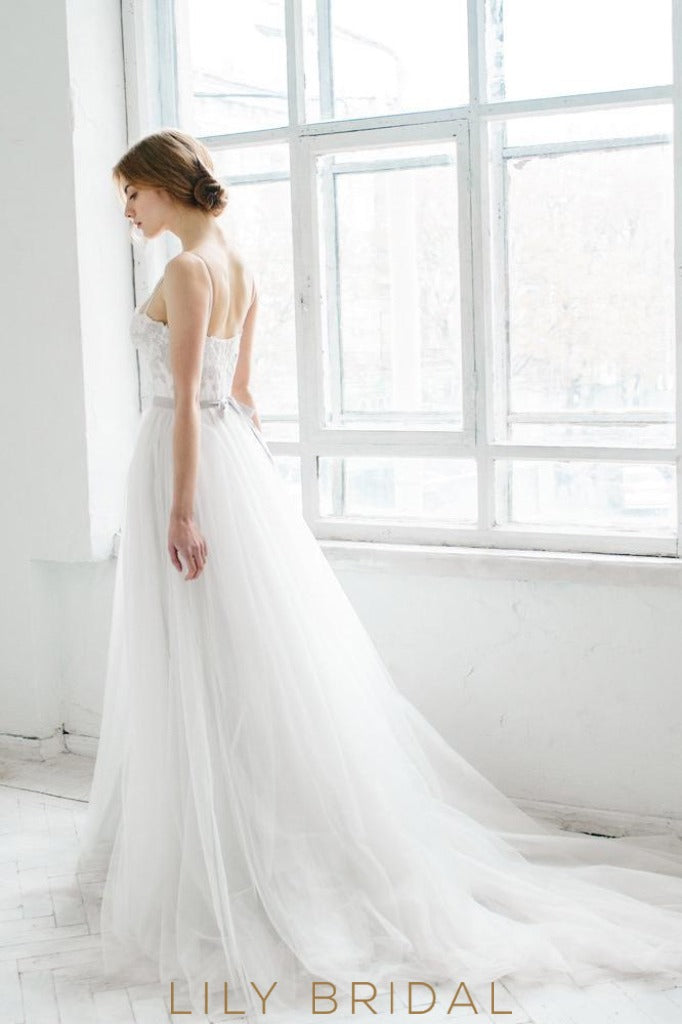 Tulle A-line with Sweetheart Appliques Wedding Dress