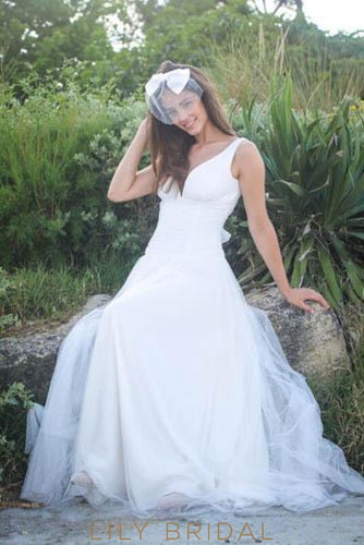 Empire Waist Low V-Neck Spotted Tulle Beach Wedding Dress With Ribbon