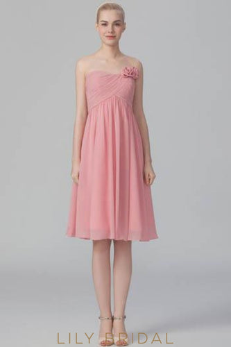Empire Waist Strapless Knee-Length Chiffon Bridesmaid Dress With Corsage