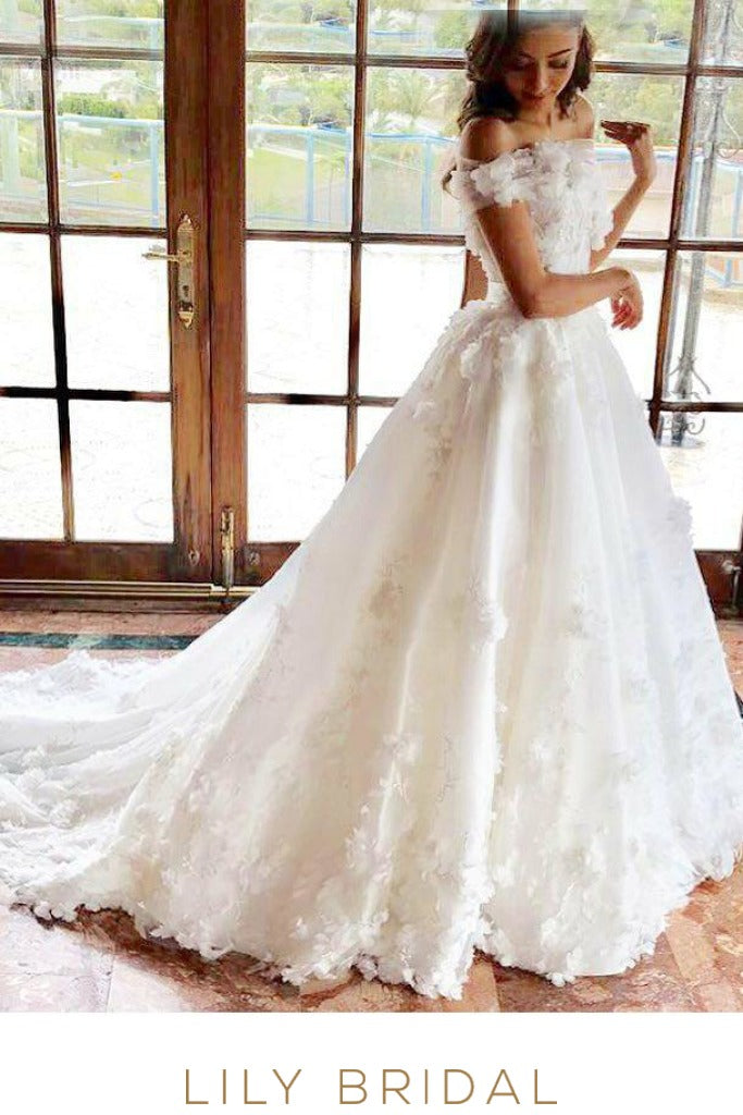 Floor Length Ivory Wedding Dresses Off-the Shoulder with Floral Appliques