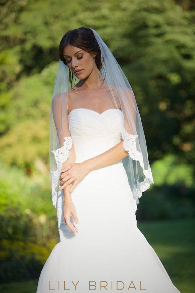 hip length lace weeding veil
