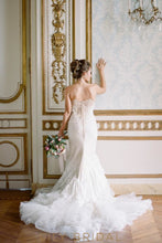 Floral Lace Dropped Waist Wedding Dress with Strapless Sweetheart Neckline