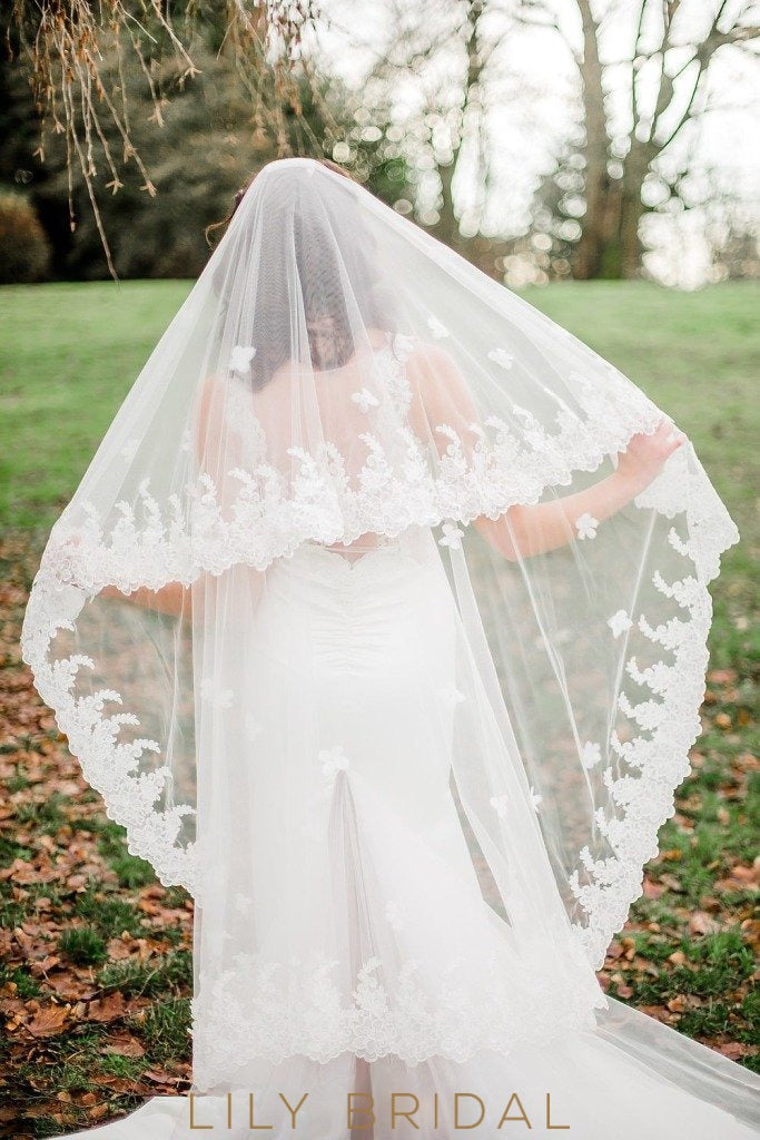 Grand Two Tier Weeding Veil with Lace Applique Scattered