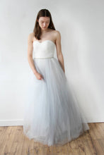 A-Line Tulle Simple Wedding Dress with Sweetheart Neckline