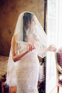 Hip Length Two Layer Wedding Veil With Lace