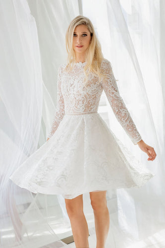 Elegant Illusion Lace Scoop Neck Long Sleeves Short Bridal Gown Wedding Dress