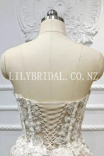Elegant Applique Sequin Sweetheart Sleeveless Lace-Up Long Bridal Wedding Dress