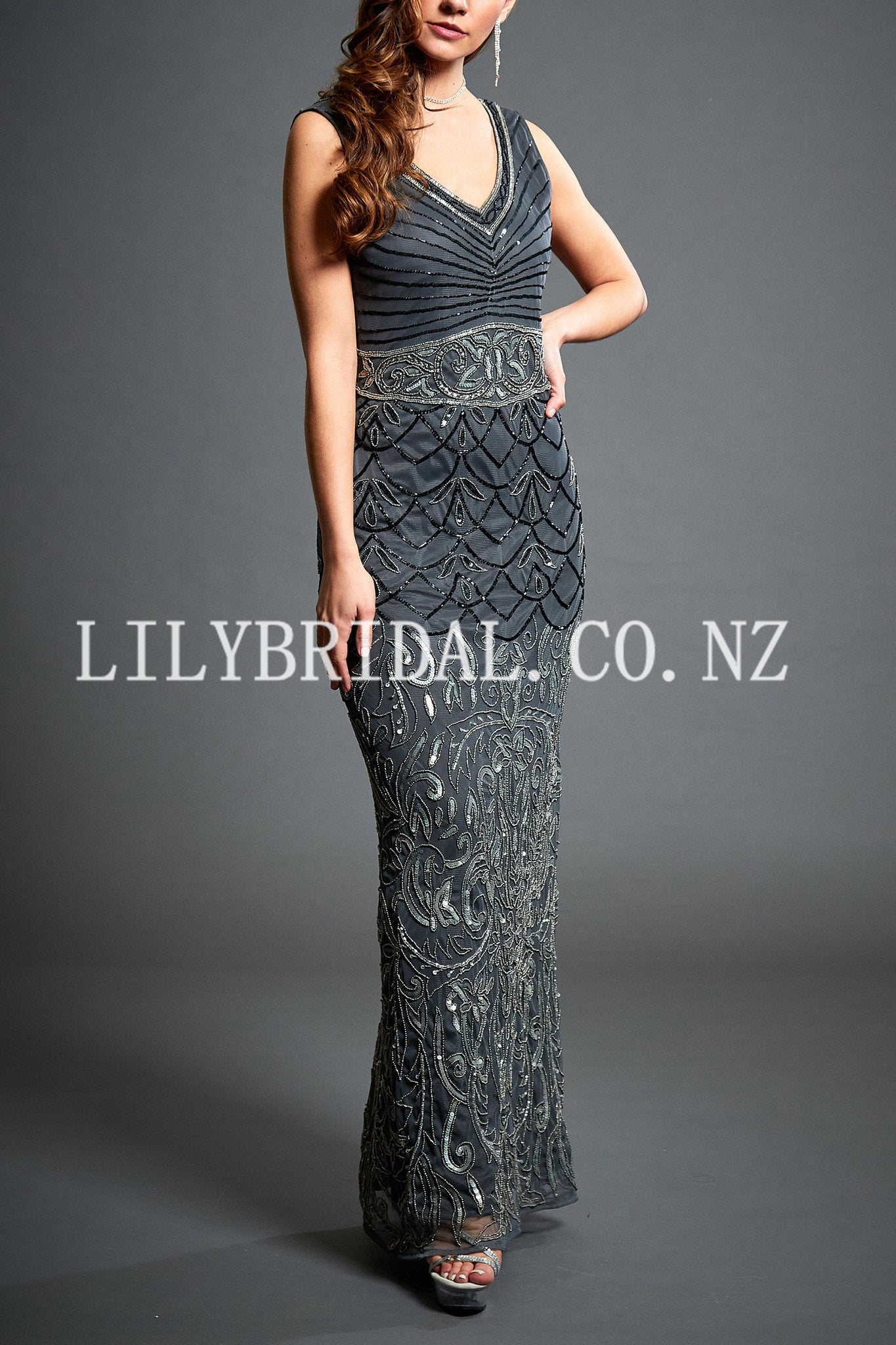 Luxury Beading Sequin V-Neck Sleeveless Floor-Length Sheath Mother Of The Bride Dress