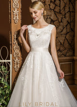 Sleeveless Tulle Lace Scoop Neckline Ball Gown Wedding Dress