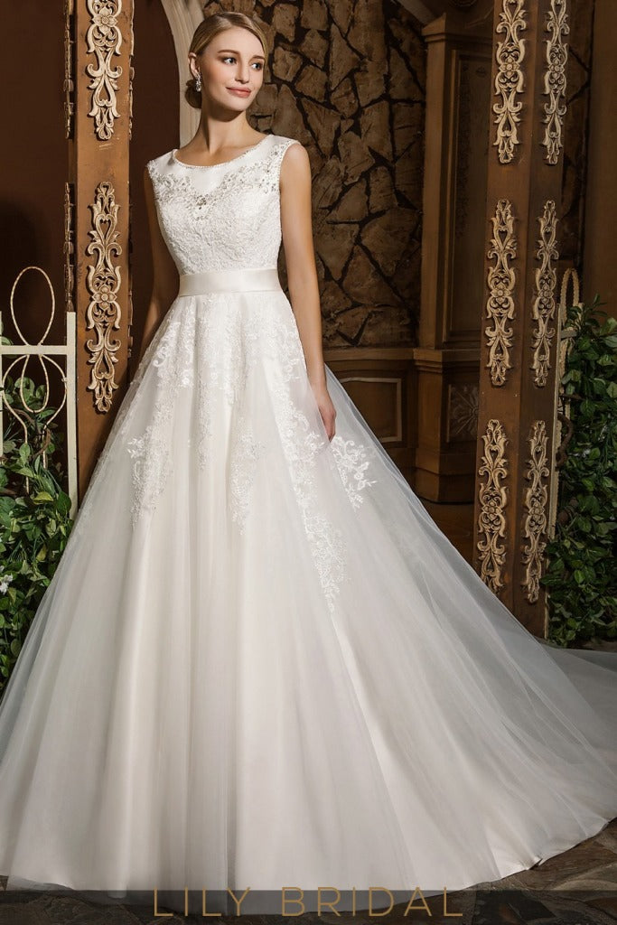 Ivory Sleeveless Tulle Lace Scoop Neckline Ball Gown Wedding Dress