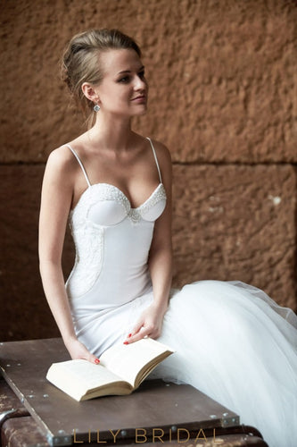 Ivory Sweetheart Dropped Waist Trumpet Wedding Dress with Spaghetti Straps
