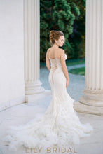 Floral Lace Dropped Waist Mermaid Wedding Dress with Sweetheart Neckline