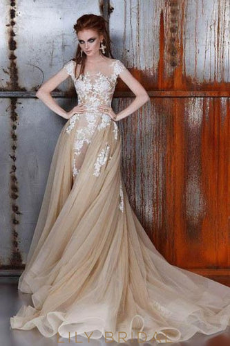 Lace Illusion Sheer Neck Sleeveless Long Sheath Tulle Wedding Gown with Court Train