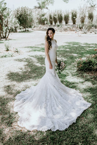 Gorgeous Lace Mermaid Wedding Dress Jewel Neck Sleeveless Long Bridal Dress