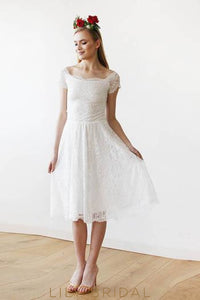 Lace Scoop Neck Short Sleeve Knee-Length Bridal Dress