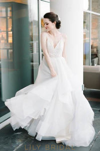 Lace Spaghetti Straps Sleeveless Long Asymmetrical Tulle Princess Wedding Dress