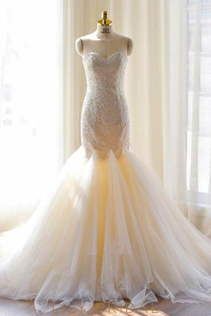 Lace Sweetheart Sleeveless Lace-Up Long Mermaid Wedding Gown With Court Train