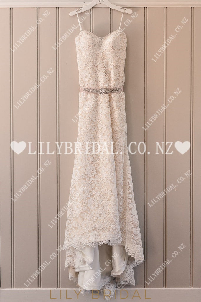 Lace Sweetheart Sleeveless Zipper-Up Long Fit-And-Flare Wedding Dress with Beading Belt
