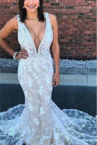 Mermaid Backless Low V-Neck Lace Wedding Dress With Court Train