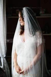 Modern One Tier Chapel Veil With Lace along The Edge