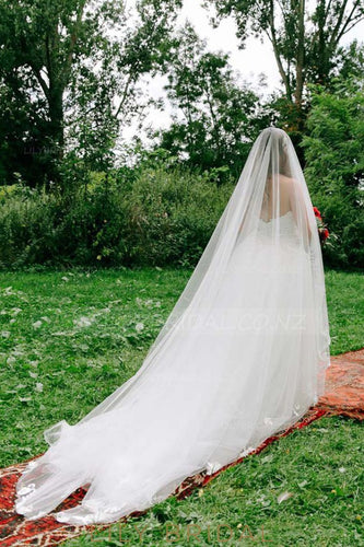 One-Layer Cathedral Bridal Veil With Lace Applique