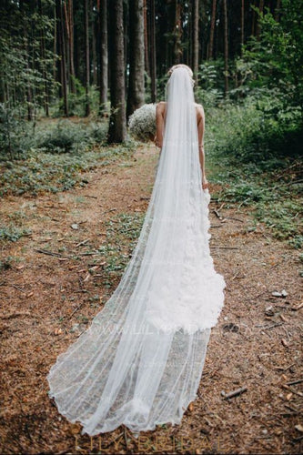 One-Layer Chapel Veil With Pencil Edge