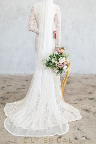 One Tier Chapel Veil With Scalloped Lace Bottom