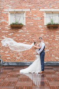 One-Tier Floor-Length Lace Edge Bridal Veil