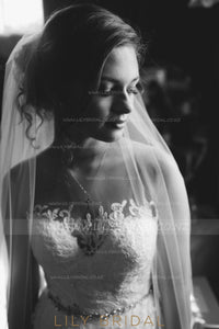 One Tier Lace Bottom Floor-Length Bridal Veil