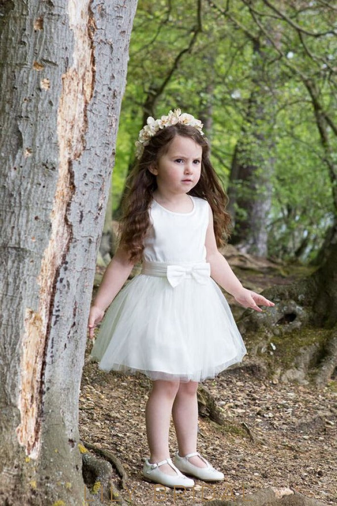 Ivory Jewel Sleeveless Knee-Length Flower Girl Dress With Bowknot