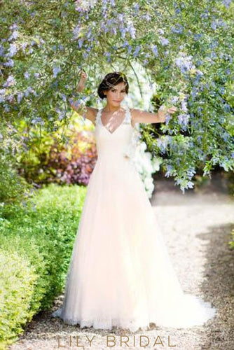 Princess Open Back Sweep Train Wedding Dress With Lace