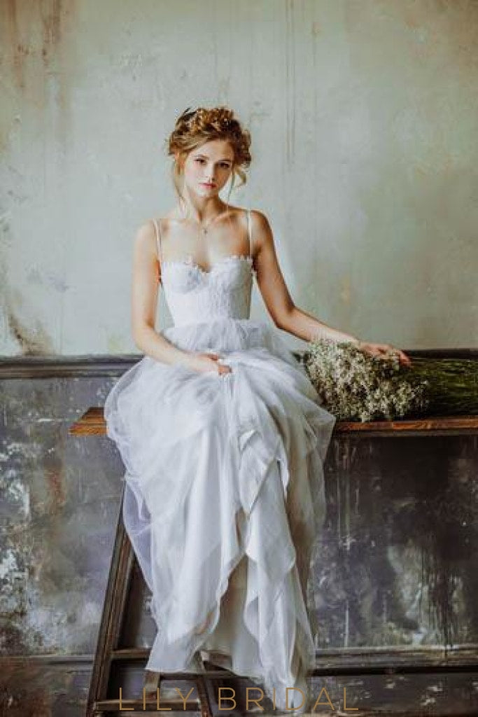 Boho Spaghetti Strap Sweep Train Tulle Wedding Dress With Lace Bodice