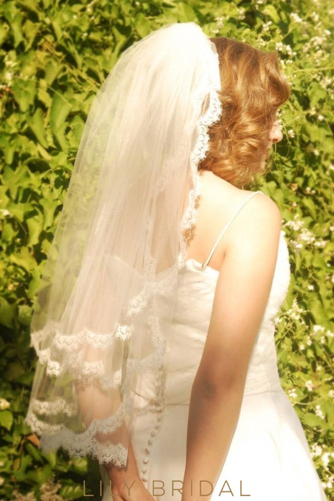 Romantic Two Layer Scalloped Lace Edge Waist Length Veil