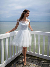Scoop Neck Cap Sleeve Short Wedding Dress With Lace Applique