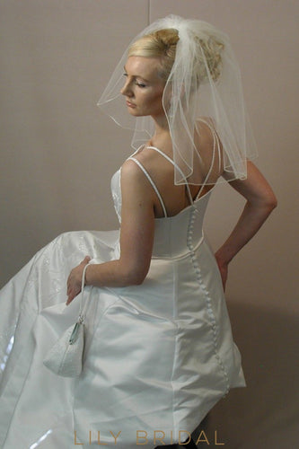 shoulder length weeding veil
